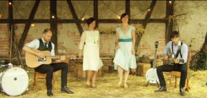 Clip : The Broken Spoon – Backyard Folk Club