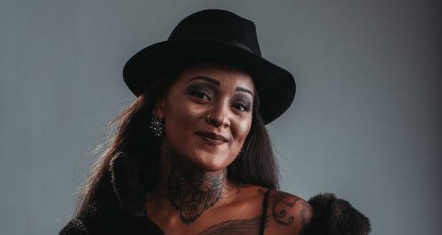 Kamisa Negra nous propose de découvrir ses 10 titres du moment !