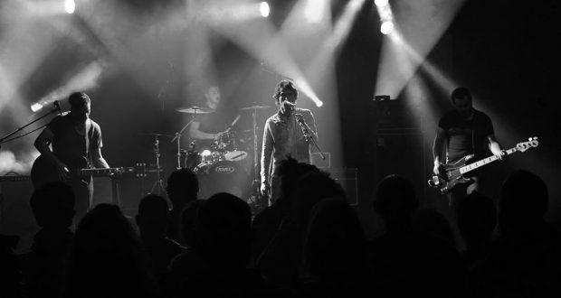 Le groupe Kamarad a présenté, dernièrement, son nouvel EP : un Cds 2 titres, composés des titres « Orders » et « Poème d'amour pour Kim G. »