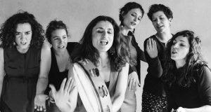 Le mercredi 28 mars prochain, la Salle du Cercle accueillera les chanteuses du sextet La Mòssa, pour un concert qui explorera l'image de la femme à travers divers chants traditionnels du monde.
