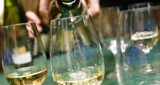 Les Concours des Grands Vins Blancs du monde reviennent en force en 2018 et prendront place les 8 et 9 avril au Palais des Congrès et de la Musique. Lors de ces deux jours, sera mise en lumière toute la diversité de leurs vins blancs d'excellence.