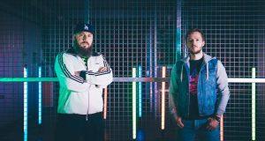 John Universe, duo de Retrowave originaire d'Alsace, sort son premier EP « To the Stars » le 14 avril, et organise sa release party le même jour, au Grillen à Colmar.