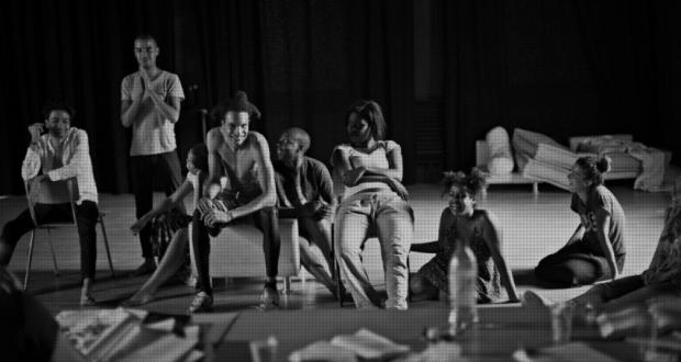 Afin de promouvoir une plus grande diversité sur les plateaux de théâtres, Stanislas Nordey a initié en 2014 avec ses partenaires des Fondations Edmond de Rothschild et de la Fondation SNCF le programme d'ateliers d'acteurs : Ier Acte. Le TNS lance dès à présent un appel aux candidatures pour la 5e saison de ce projet, ouvert jusqu'au 7 mai.