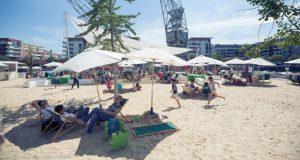 Vous rêvez d'une pause rafraîchissante et ludique en plein centre-ville ? Dirigez- vous vers les Docks d'Eté, un lieu éphémère (ouvert du 8 juillet au 2 septembre) complètement dédié à la détente, à l'évasion et aux loisirs, situé sur la Presqu'île Malraux.