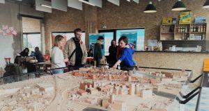 Un lieu de rencontre destiné à penser le futur du projet urbain des Deux-Rives a été inauguré courant octobre, au cœur du quartier de la Coop à Strasbourg, et plus précisément dans les locaux de l'ancienne supérette.