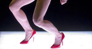 À l'occasion du spectacle Les Rois de la piste de Thomas Lebrun, qui sera présenté à Pôle-Sud les 29 et 30 janvier, deux événements parallèles, une rencontre et un atelier dancefloor, seront proposés aux étudiants de Strasbourg.