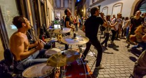 Musique classique, contemporaine, expérimentale, variété, jazz, rock, hip-hop, traditionnelle d'ici ou d'ailleurs… la musique sera partout le 21 juin ! À l'occasion de la 38eédition de la fête de la musique, la Ville de Strasbourg invite les Strasbourgeois à partager leur passion de la musique.