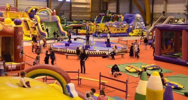 Le Parc Loca'Gonfle fait son retour au Parc Expo de Colmar, à l'occasion des vacances d'hiver, du 9 au 24 février ! L'univers des enfants, un parc géant de plus de 6500m2 de jeux gonflables séduiront petits comme grands.