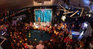 Le Giboul'OFF est un festival de marionnettes et arts associés, qui se tient à Strasbourg depuis maintenant 15 ans, sous l'impulsion d'un collectif d'artistes, mettant en valeur la scène alternative locale sous différentes formes.