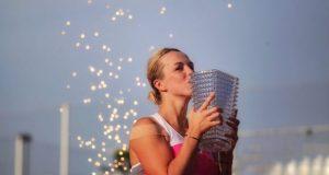 Après une finale historique, de plus de 3h35, disputée l'année dernière, la terre battue du Tennis Club de Strasbourg accueillera, une nouvelle fois, les Internationaux de Strasbourg. Pour la 33e édition, du 18 au 25 mai, le fleuron du circuit mondial féminin viendra briller au cœur de la capitale alsacienne.