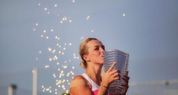Après une finale historique de plus de 3h35 disputée l'année dernière, la terre battue du Tennis Club de Strasbourg accueillera une nouvelle fois les Internationaux de Strasbourg. Pour la 33e édition qui se tiendra du 18 au 25 mai, le fleuron du circuit mondial féminin viendra briller au cœur de la capitale alsacienne.