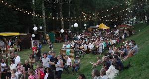 L'Outre Festival revient pour une 4e édition du 28 au 30 juin sur le site du Grabenloch, aux pieds des remparts à Wissembourg.