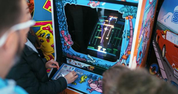 Désormais le rendez-vous incontournable des mordus du joystick, Start to Play, le premier festival du jeu vidéo et de l'e-sport à Strasbourg, revient pour une 6e édition du 23 au 25 août au CCI Campus.