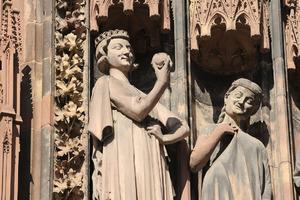 https://www.coze.fr/cozecus/upload/2018/10/327864-cathedrale15jpg-thumb-w
