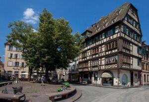 Les petites places du vieux Strasbourg