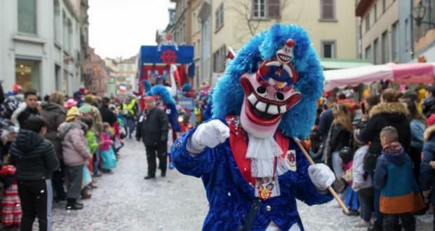 Confettis, « Wackes » et chars colorés : la 66e édition du carnaval de Mulhouse va rythmer la vie de la ville, du 7 au 10 mars.